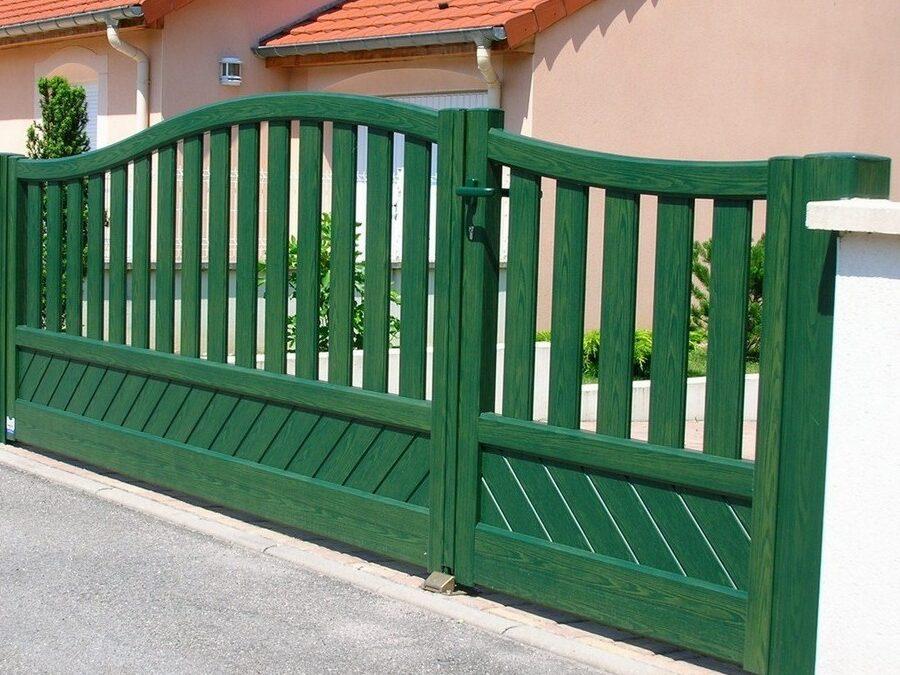 Les raisons de privilégier le portail aluminium au bois et au fer